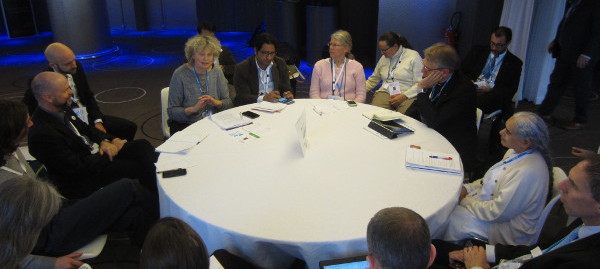 04_8.12._Stade_de_France_innovation_forum_Roundtable_with_rlegious_leadsers-600